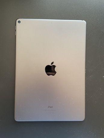 iPad Air 3 (2019) 64GB WiFi + etui z klawiaturą Logitech COMBO TOUCH