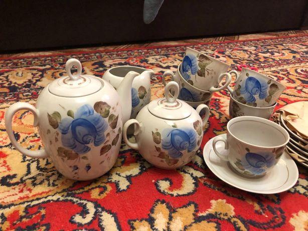 Советский чайный сервиз с синими цветами