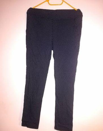 Granatowe, eleganckie spodnie na gumce M