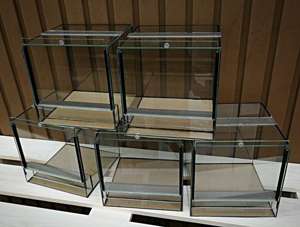 Terrarium szklane 30x30x30 cm.