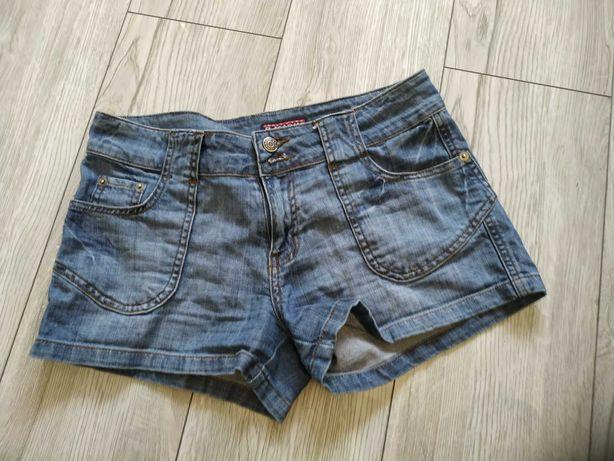 Krótkie spodenki jeansowe. Szorty dżinsowe . M-L. 36-38.