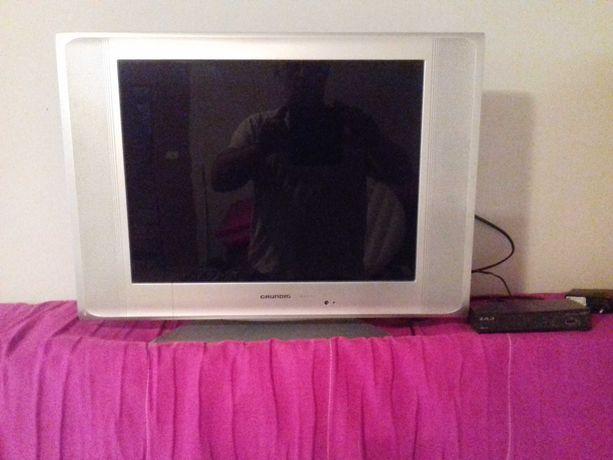 telewizor +odtwarzacz DVD +tuner