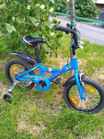 Велосипед Giant Animator 16 с дополнительными колесами