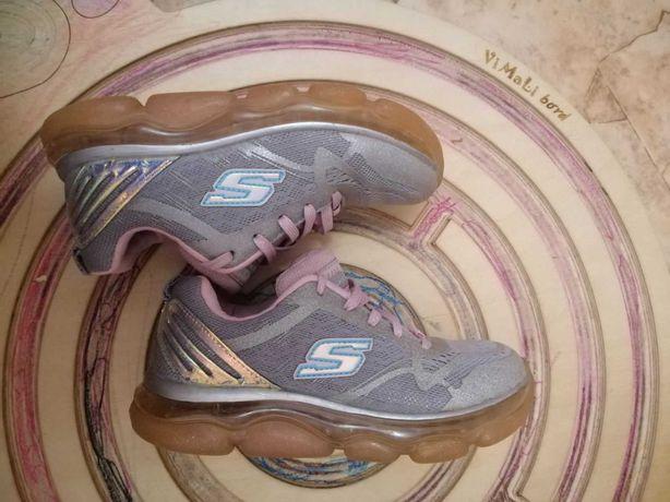 skechers кроссовки на девочку,29 размер, стелька 18,5 - 19 см