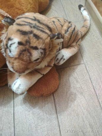 Игрушка Тигр  б/у,  мягкая  игрушка  Тигр б/у