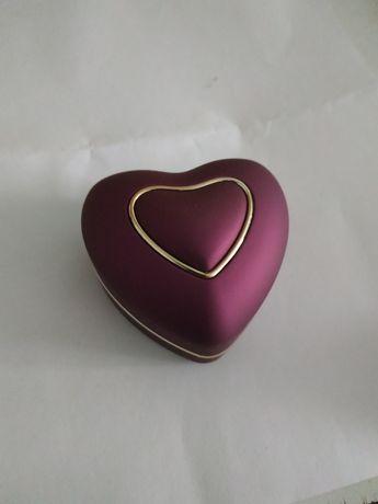Коробочка для кольца (перстня)