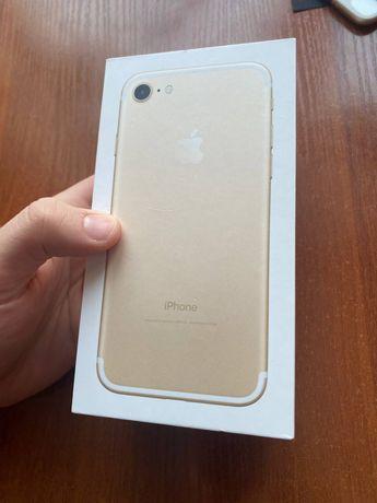 Продам iPhone 7 32 gb Gold NeverLock Магазин