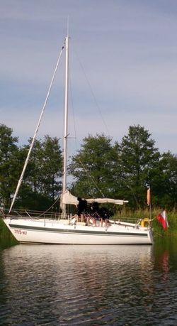 jacht żaglowy z przyczepą
