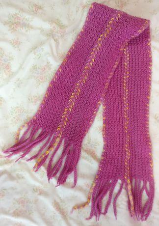 Różowy szalik szal