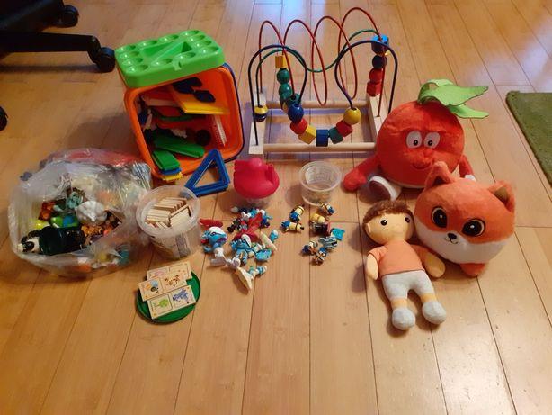 Zestaw zabawek, klocki jeżyki, domino,mula, smerfy,minionki,