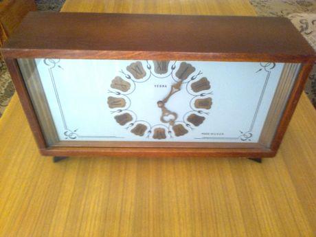 Zegar stojący z gongiem