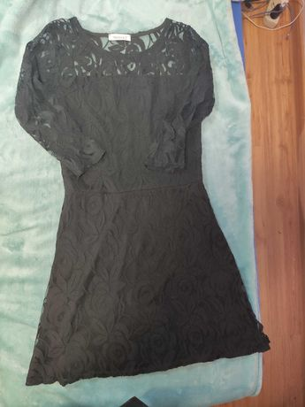Koronkowa czarna sukienka C&A
