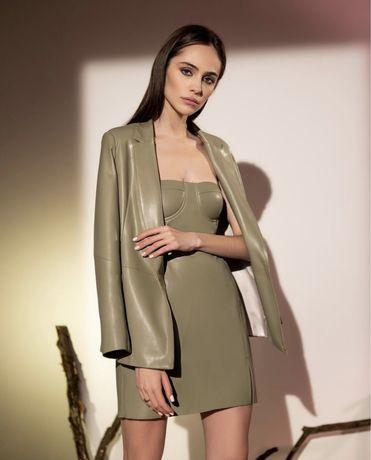 Шкіряне плаття та піджак