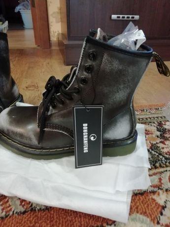 Крутые зимние ботинки типа Dr.Martens,натуральная кожа ,мех
