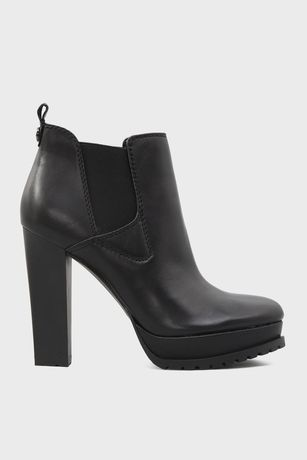 Кожаные ботинки Guess на каблуке,39 размер