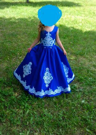 Платье вьіпускное