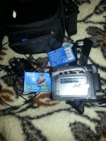Sprzedam kamere jvc gr-d239e
