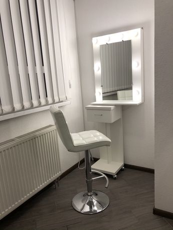 Зеркало бровиста визажиста с ТУМБОЙ гримера рабочий стол брови макияж