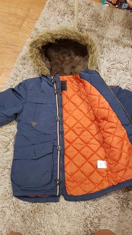 Осенне- зимняя куртка-пальто на рост 122см