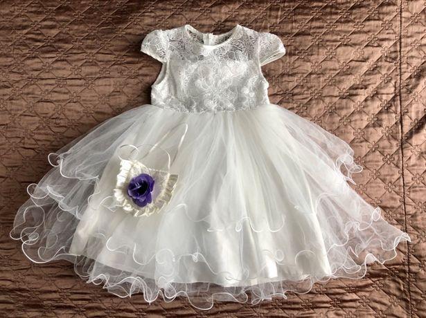 Белое пышное платье на 3-4 года