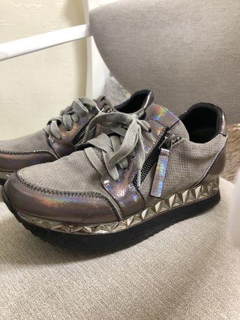 Кроссовки для платформе