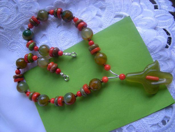 kolorowy naszyjnik/korale kamienie agat koral jadeit howlit hematyt