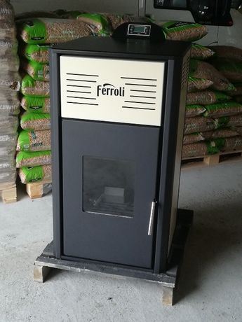 Ferroli kominek piecyk piec na pelet pellet 18 kW co+cwu z płaszczem