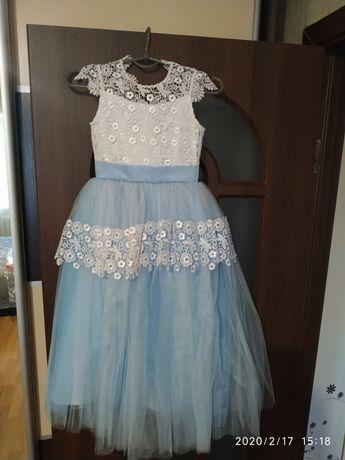 Шикарное платье на выпускной в детский сад