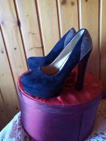 Sapatos w52 festa compensados