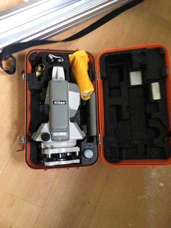 Teodolito- Nikon DTM 310. Como novo!