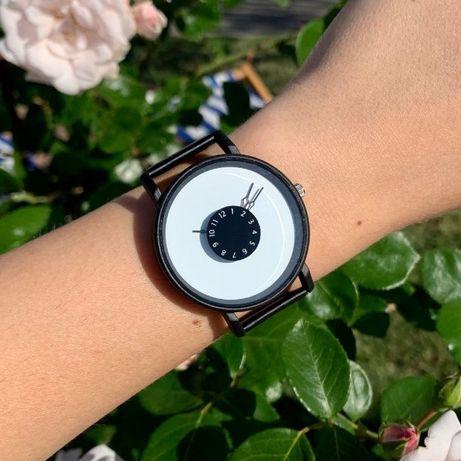 Часы наручные на ремешке из искусственной кожи черные женские мужские