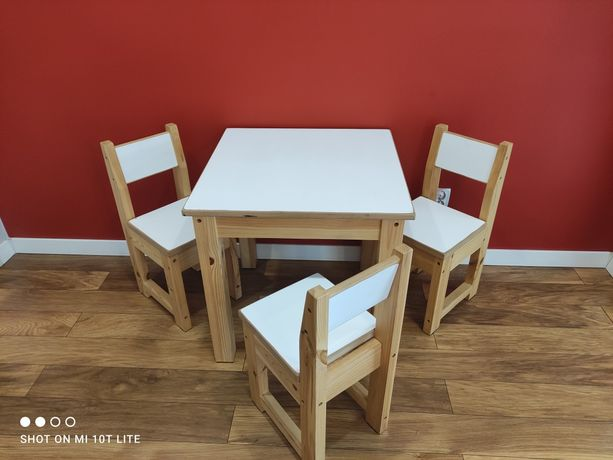 Stolik + 3 krzesła dla dzieci . Dziecięce. Solidne od stolarza !!!