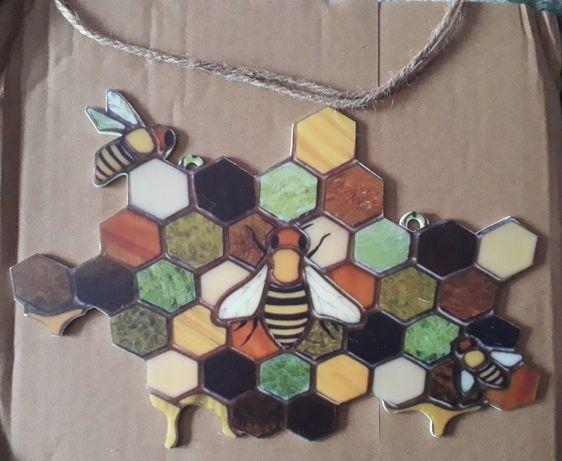 Ozdobny plaster miodu z pszczołami - zawieszka