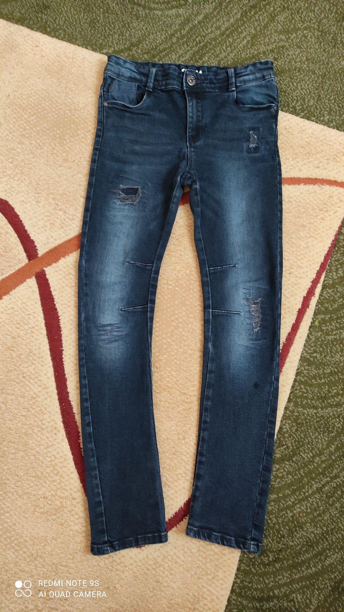 Продам джинсы для мальчика