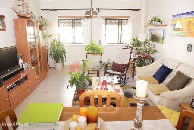 Apartamento T2 Lado Sul Pinhal Novo - 135.000€
