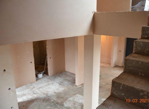 Машинная штукатурка стен, потолков и откосов. Цена - 150 грн/м.кв.