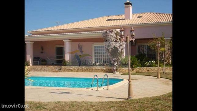 Vivenda V4+2 em Altura/Algarve