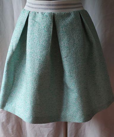 Piękna seledynowa spódnica