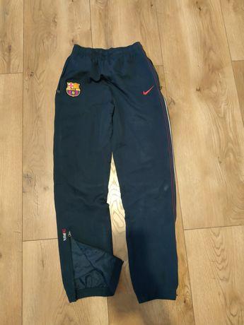 Nike spodnie dresowe sportowe chłopięce 158 L