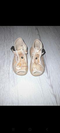 Sandałki jasny brąz