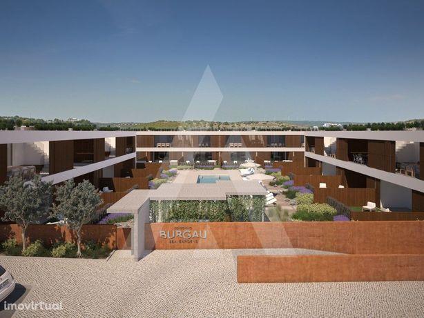 Apartamento T2 em condomínio privado com piscina no Parqu...