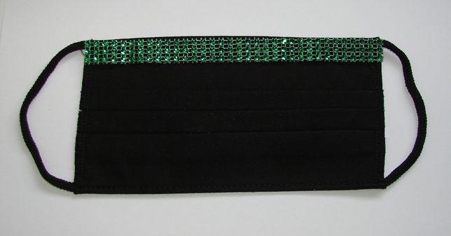 Maseczka bawełniana z zieloną ozdobą - czarna