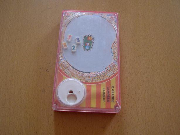 Brinquedo magnético velho/antigo