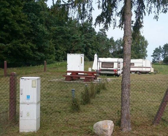 Działka budowlana + przyczepy+kontener sanitarny