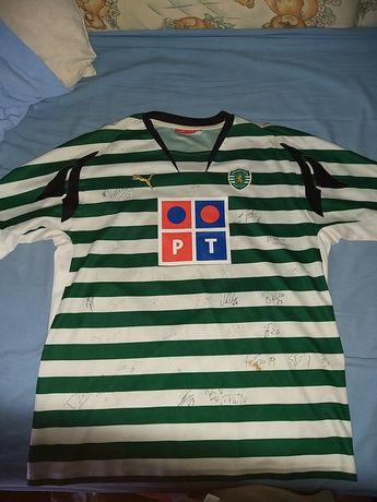 Camisola Vintage do Sporting assinada pelo plantel de 2013/14