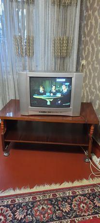 Продам стіл з телевізором дешево