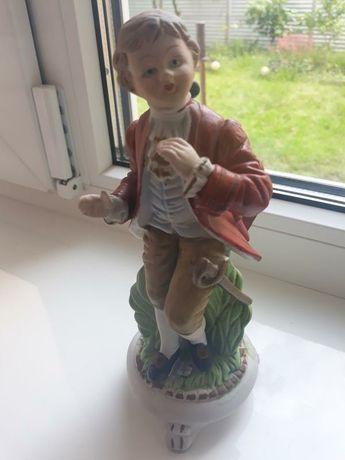 Статуэтка фарфоровая, дворянин, статуэтка, статуетка италия винтаж