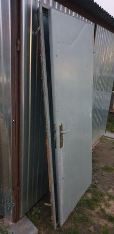 Drzwi na budowę, metalowe z zamkiem