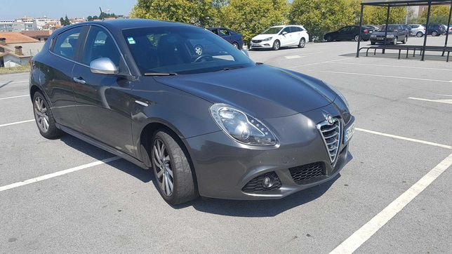 Alfa Romeu Giulietta Distinctive 1.6JTD 105cv c/Pack 7