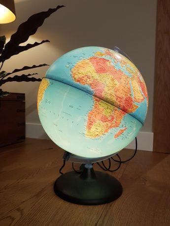 Podświetlany globus.